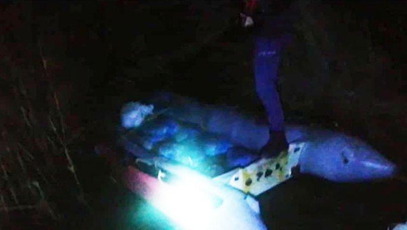 Terkedilmiş botta 1.5 ton kaçak midye ele geçirildi