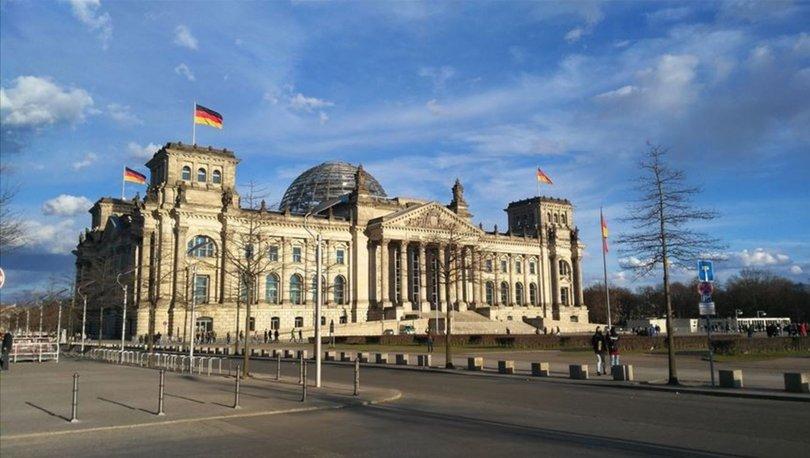 Almanya, Meclis binası çevresindeki önlemleri artırıyor!