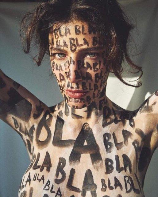 Berrak Tüzünataç çıplak pozla mesajını verdi! İşte Berrak Tüzünataç'ın fotoğrafları - Son dakika Magazin Haberleri