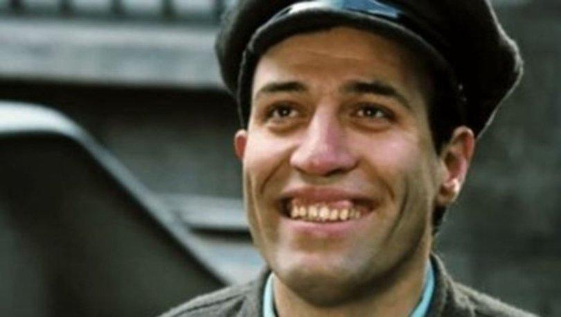Kemal Sunal kimdir? Kemal Sunal kaç filmde oynadı, filmleri nelerdir? Ne zaman öldü?