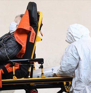 İtalya´da son 24 saatte 14 bin 242 kişide daha koronavirüs (Covid-19) tespit edildiği ve 616 kişinin daha yaşamını yitirdiği duyuruldu. Ülkede toplam vaka sayısı 2 milyon 303 bin 263´e yükseldi.