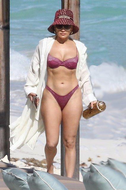 Jennifer Lopez'in tatili sürüyor - Magazin haberleri