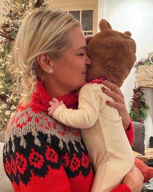 Gigi Hadid annesi Yolanda Hadid ile yürüyüşte - Magazin haberleri