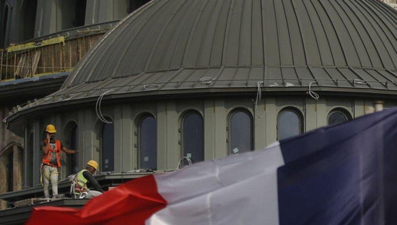 Fransa İçişleri Bakanı: İzlenmesini istediğim 18 camiden 9'u kapatıldı