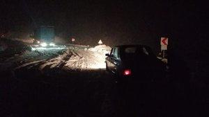 Kara kış yolları kesti!