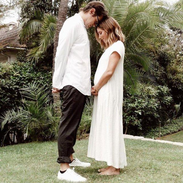 Ashley Tisdale'den hamilelik pozu - Magazin haberleri