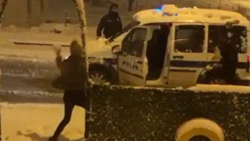 Vatandaş ile polisin 'kartopu' oyununa sosyal medyada ilgi