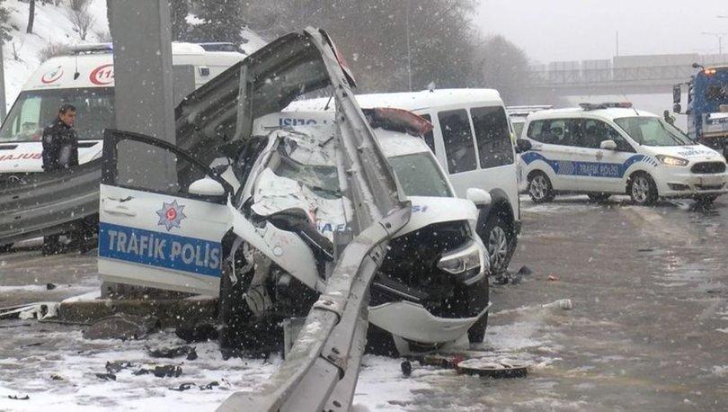 Son dakika haberi FSM'de kaza! Polis aracına çarptı! Polisler hastaneye kaldırıldı