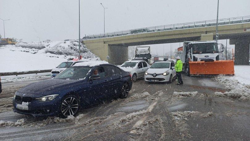 Bursa'da yüzlerce araç yolda mahsur kaldı! - Haberler
