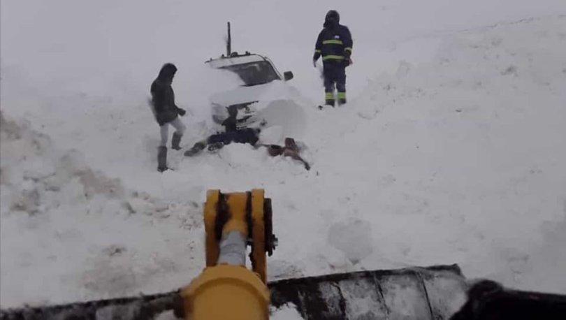 Son dakika: Sivas'ta fırtına nedeniyle elektrik direkleri devrildi! - Haberler