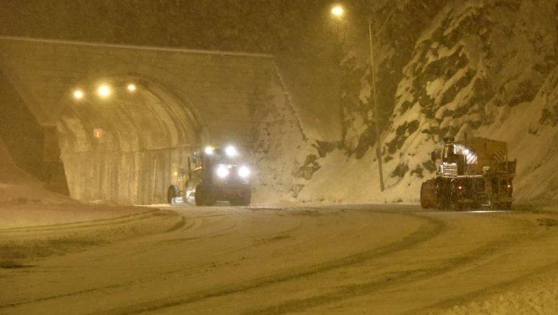 Zigana Dağı Geçidi'nde yoğun kar yağışı: Araç geçişlerinde kısıtlamalar var