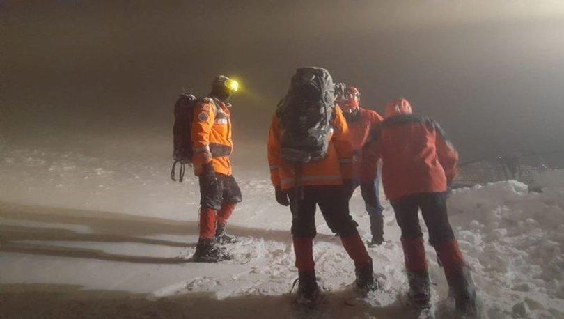 Bursa'da kar yağışı nedeniyle mahsur kalan 8 kişi kurtarıldı