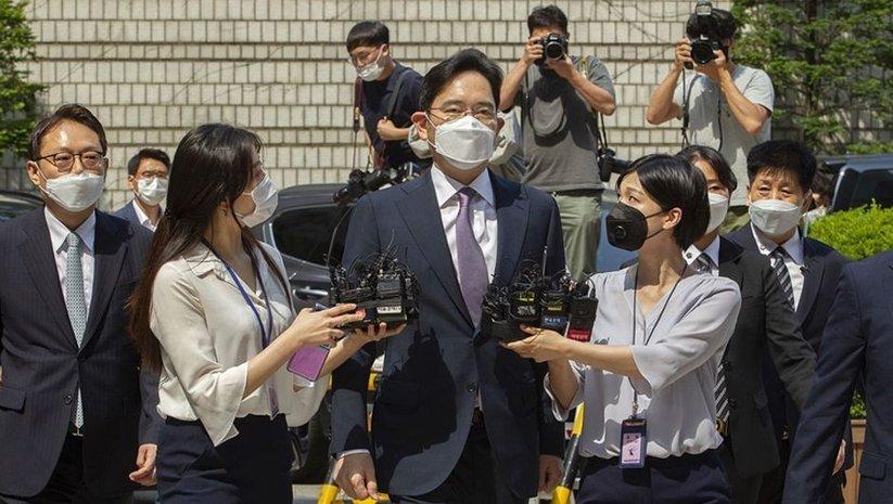 Samsung'un yönetim kurulu başkanına 2.5 yıl hapis cezası!