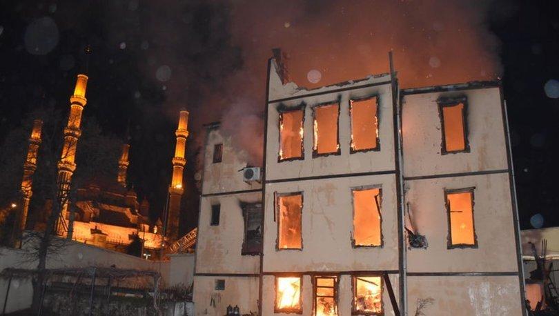Edirne'nin tarihi müftülük binasında yangın - haberler