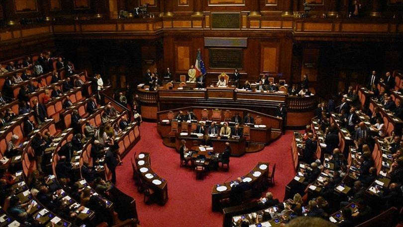 İtalya'da Başbakan Conte ve hükümeti, Senato'daki kritik güven oylamasını az farkla kazandı