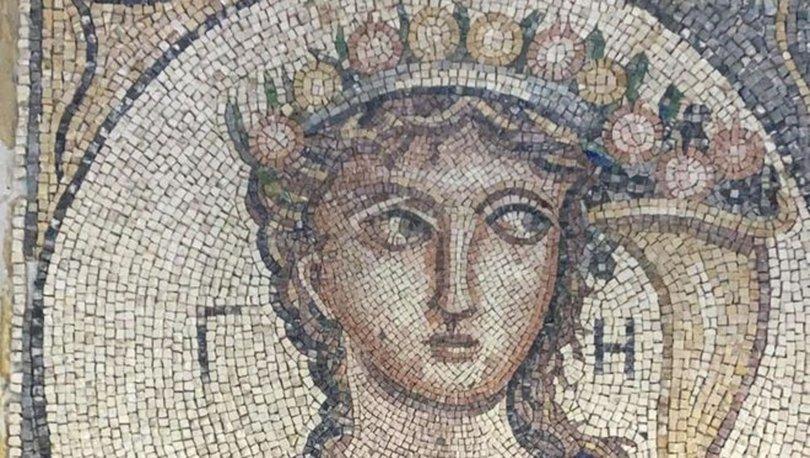 TARİHİ SATIYORLAR! Son dakika: 2 bin yıllık Roma dönemine ait mozaik ele geçirildi