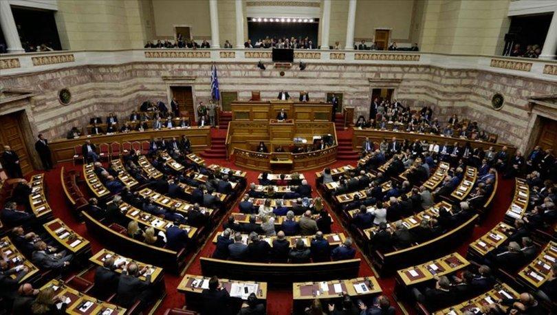 Yunanistan Parlamentosu'ndan, İyon Denizi'nde kara sularının 12 mile çıkarılmasına onay
