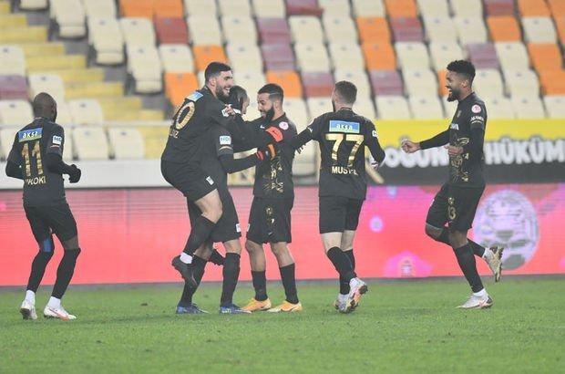 Yeni Malatyaspor evinde Galatasaray'a geçit vermiyor