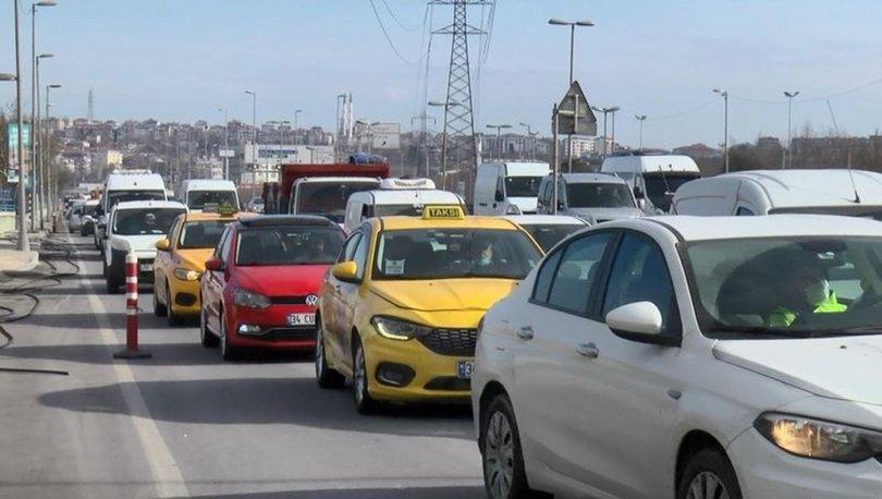 SON DAKİKA! Kısıtlama günü D-100'de trafik yoğunluğu! Sebebi ortaya çıktı - HABERLER