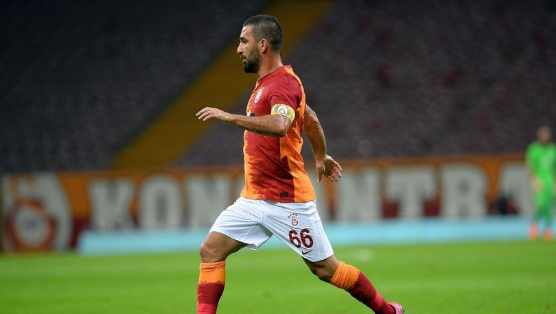 Arda Turan: Eşofmanlarda da Galatasaray arması var