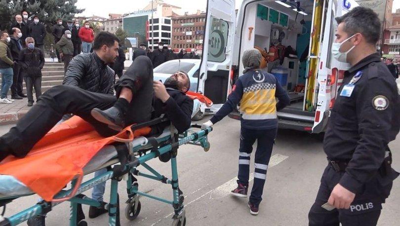 Polis merkezi önünde silahla vurdu
