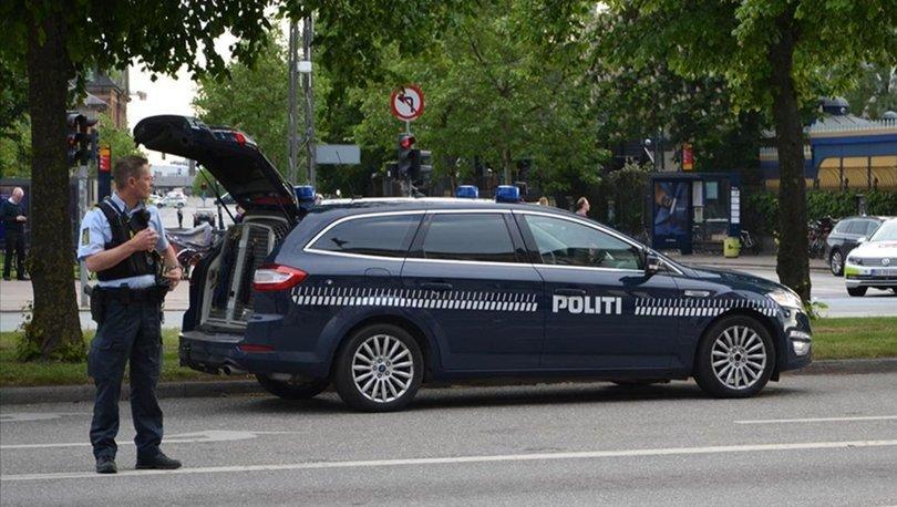 Danimarka'da başbakanın maketini yakan üç kişi gözaltına alındı!