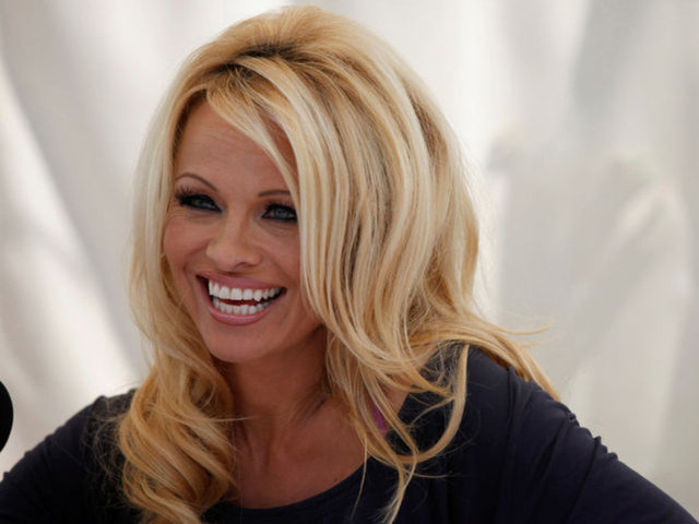 Pamela Anderson veda etti - Magazin haberleri