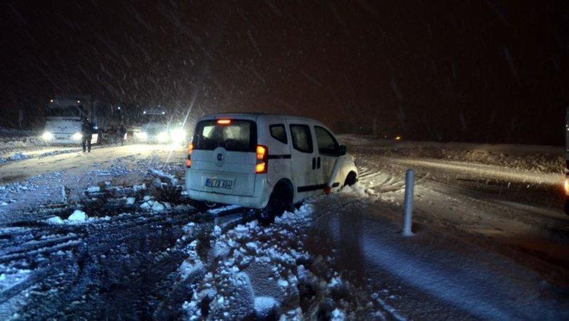 Bitlis'te kar yağışı ulaşımda aksamaya neden oldu