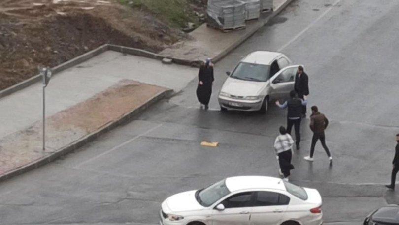 SON DAKİKA HABERLERİ: Zorla otomobile bindirilmeye çalışılan kadını böyle kurtardılar!