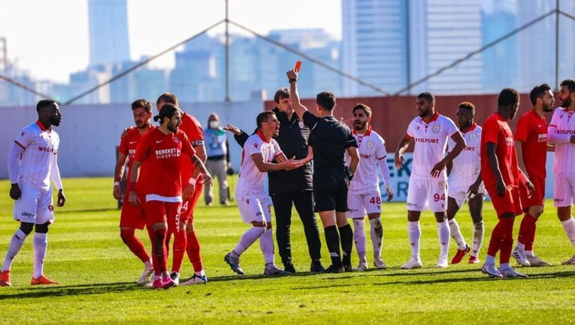 Ümraniyesporlu futbolculardan fair-play örneği