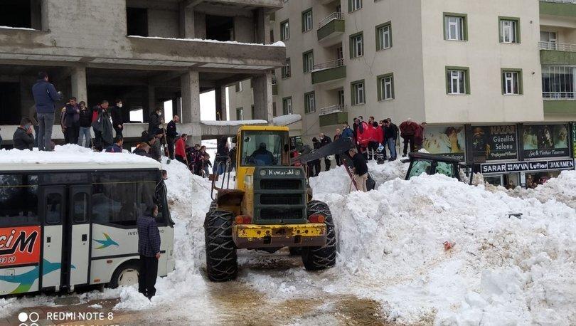 SON DAKİKA: Kar faciası! Ne olduğunu anlayamadılar: 3 yaralı!