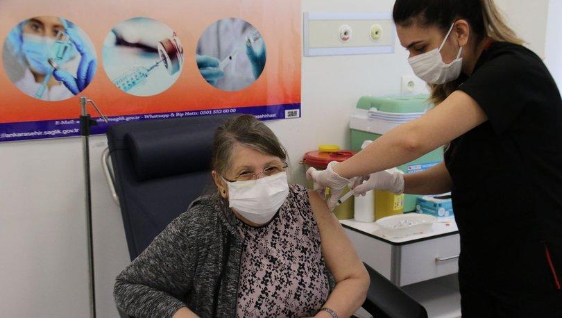 Aşı randevusu nasıl alınır? 65 yaş üstü aşı randevusu e-Devlet ve MHRS ekranı: Aşı randevu alma!