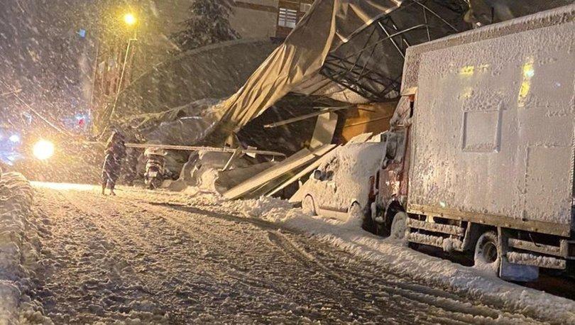Eyüpsultan'da kar kütlesinin ağırlığına dayanamayan spor salonunun çatısı çöktü