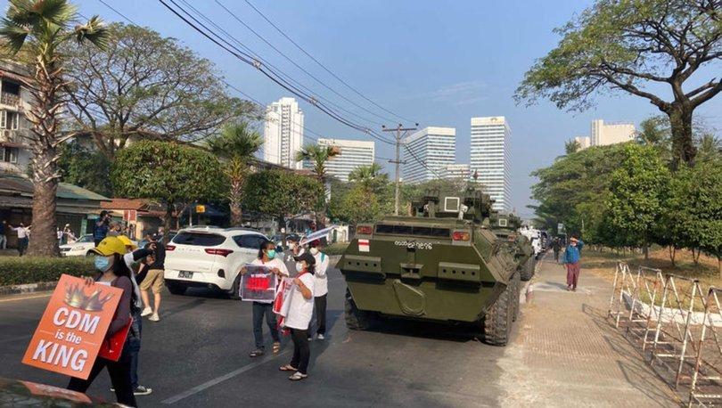 Myanmar'da askeri araçlar sokaklarda görüldü, ülke genelinde internet kesildi! - Haberler