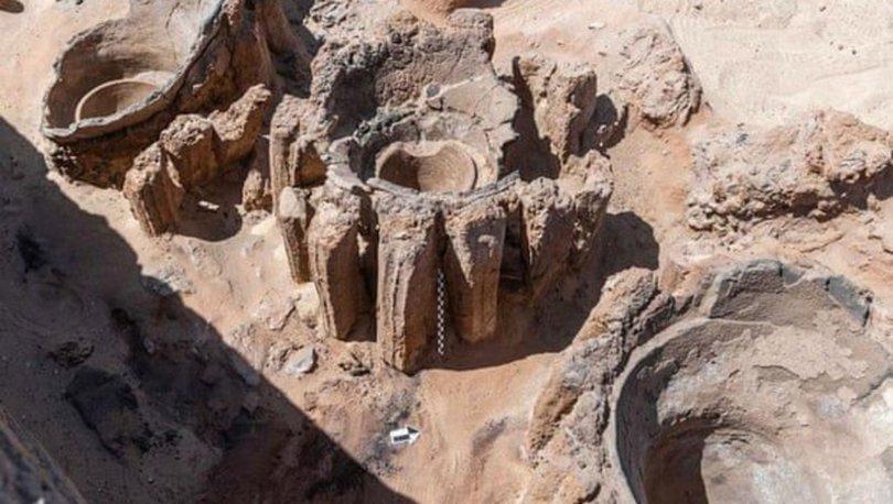 Mısır´da arkeologlar, 5 bin yıllık bira fabrikası keşfetti