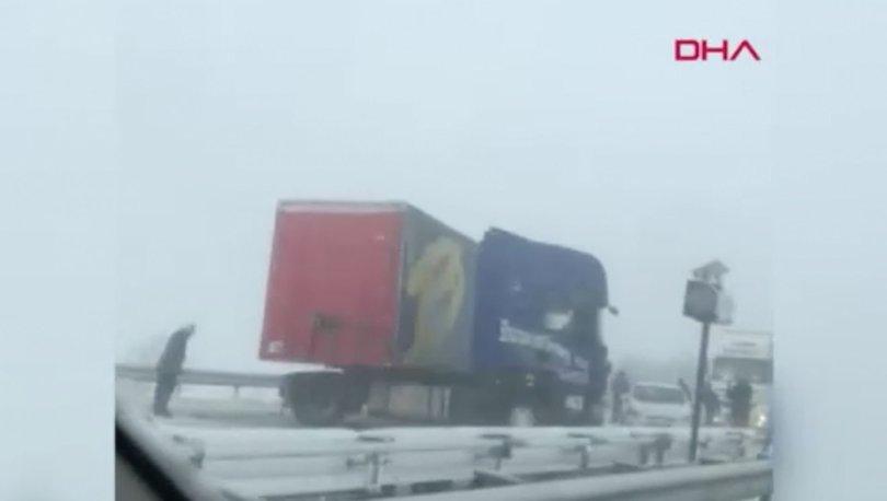 Son dakika haberi TIR kazası! İstanbul yönü trafiğe kapandı!