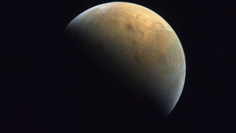 Mars'a giden BAE'nin uzay aracından ilk fotoğraf!