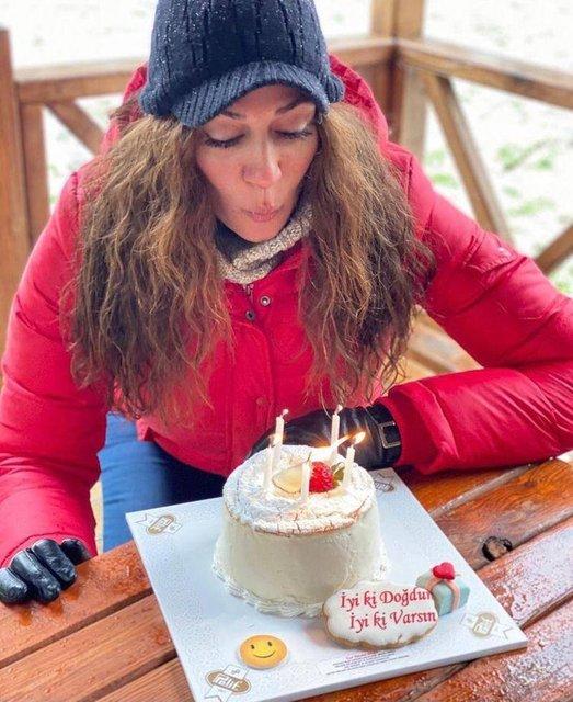 Özge Borak: Pastamı karlar içinde üflemek istedim - Magazin haberleri