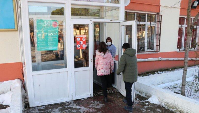 KAR TATİLİ... Son dakika: Açılmadan kapandı! Yüz yüze eğitime kar engeli