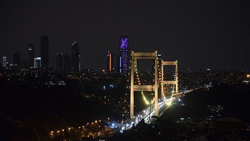 İstanbul'un köprüleri, Çocukluk Çağı Kanser Günü'ne dikkati çekmek için ışıklandırıldı - Haberler