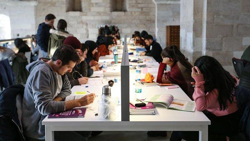 Sağlık Bakanı Koca'dan yüz yüze üniversite açıklaması! Üniversitelerde hibrit eğitim nedir? Üniversiteler açıl