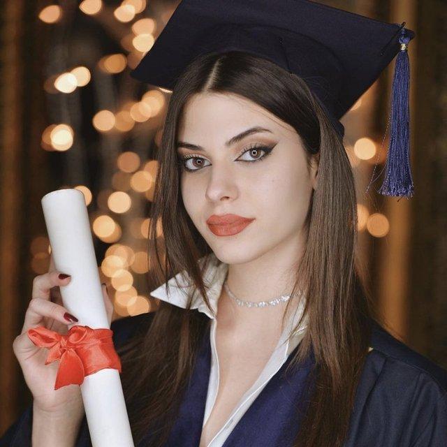 Defne Samyeli'nin kızı Derin Talu mezun oldu - Magazin haberleri