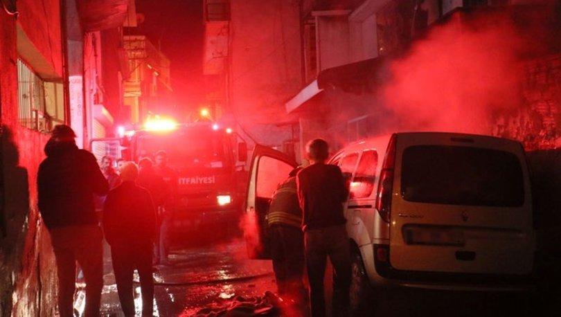 İzmir'de ticari araçta başlayan yangın çevreye sıçradı: 2 araç ve 1 iş yerinde hasar oluştu