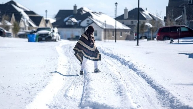 ABD'nin Teksas eyaletinde tarihi kar fırtınası, milyonlarca kişiyi elektriksiz bıraktı