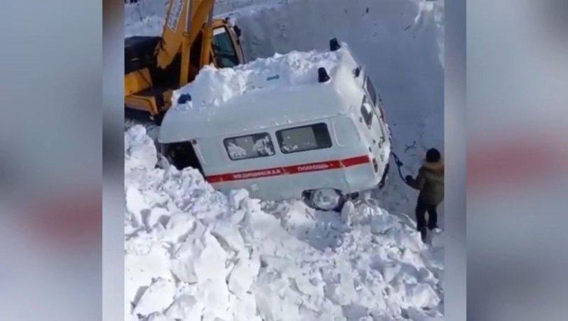 SON DAKİKA: Rusya'da çığ felaketi: Hasta almaya giden ambulans kar altında kaldı! - Haberler