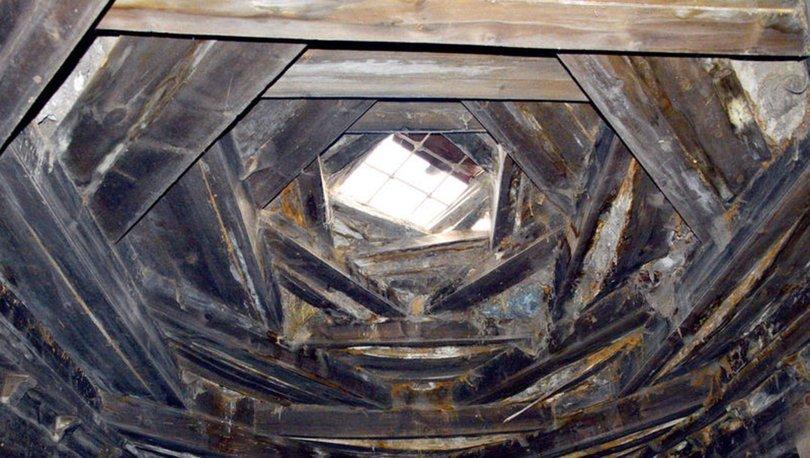 Kırlangıç örgüden asırlık çatı, sapasağlam duruyor