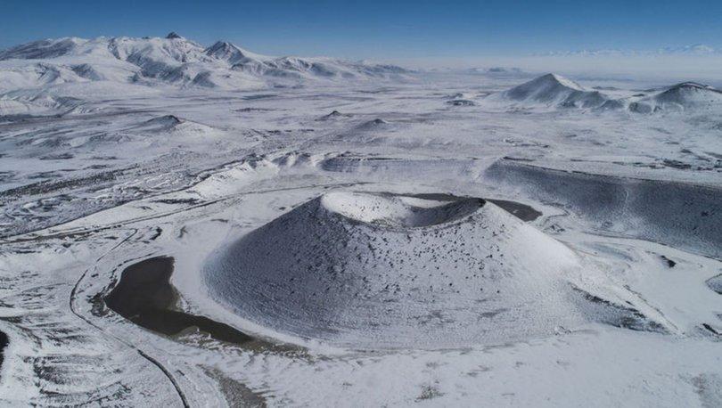 'Dünyanın nazar boncuğu' Meke Gölü beyaza büründü - Haberler