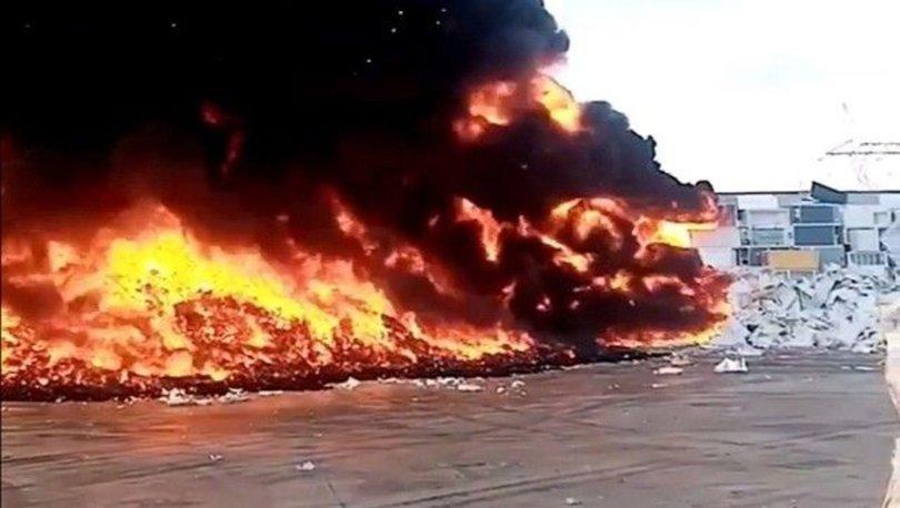 Manisa'da geri dönüşüm fabrikasında yangın
