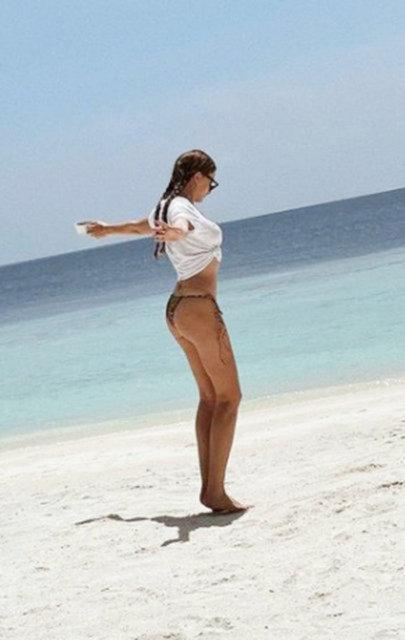 Serenay Sarıkaya'nın Maldivler tatili devam ediyor! Kırmızılar içinde - Magazin haberleri