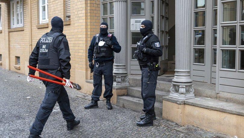 Berlin'de film gibi soygun: Hedef ATM nakil aracı...